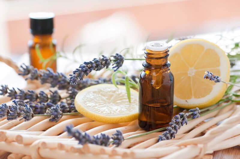 Casa Arole | Continuando com as postagens sobre o fascinante mundo da aromaterapia, vamos descobrir um pouco sobre como funciona essa arte milenar? Olha só... Os...